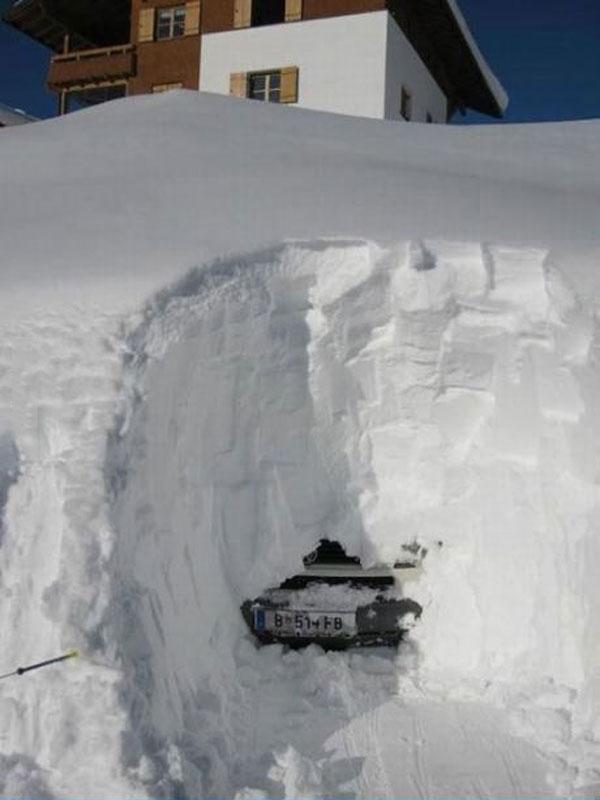 snow, car, buried, whoa