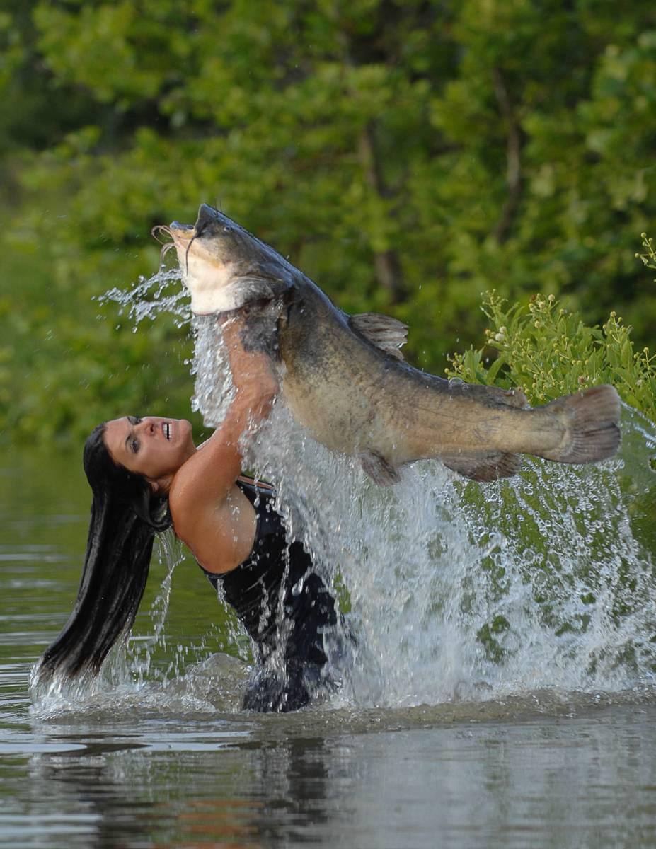 Днем, прикольные картинки с девушками на рыбалке