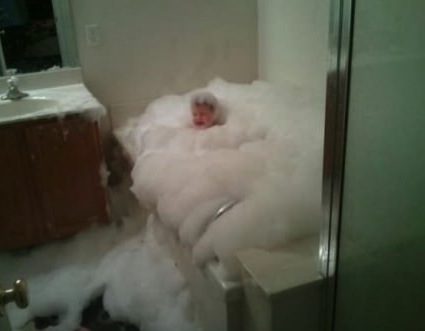 bubble bath, kid, cry, lol