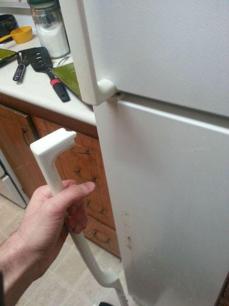 fridge, refrigerator, handle, fail, broken