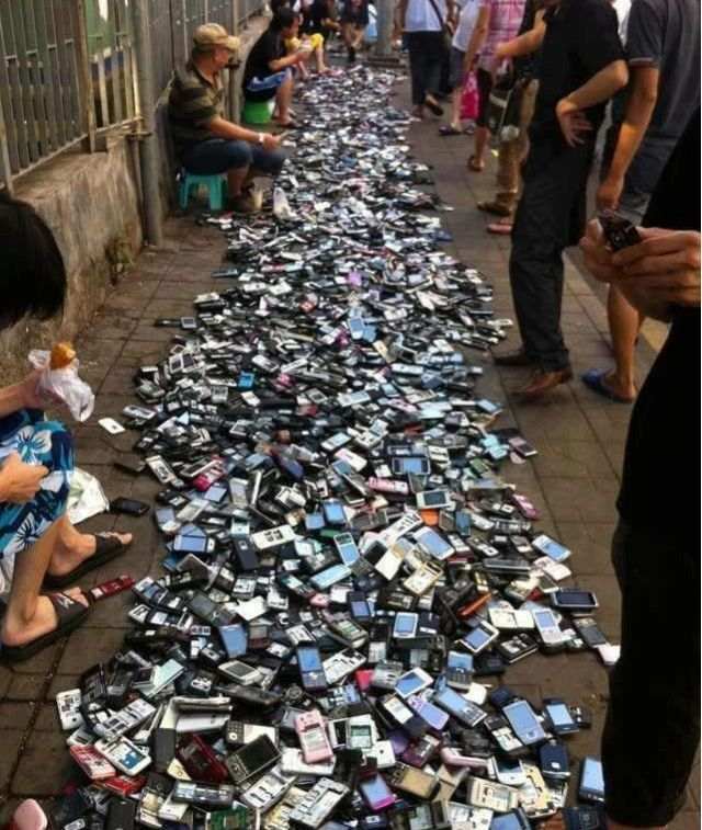 cell phone, pile, wtf