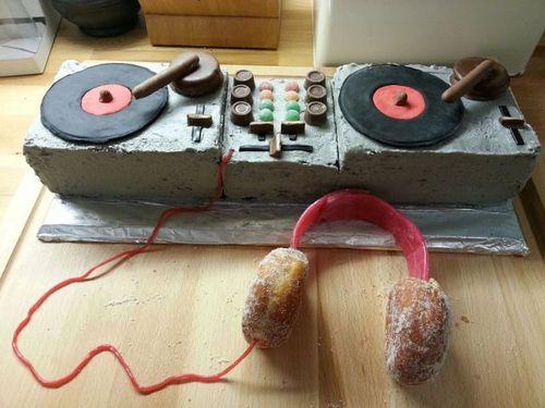 cake, dj gear, win, donuts, headphones, dessert