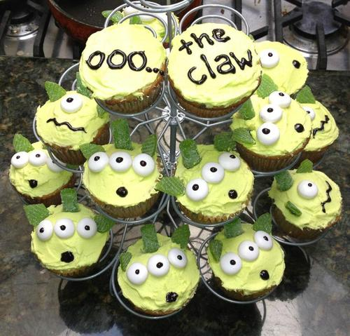 oooh the claw, toy story, cupcakes,