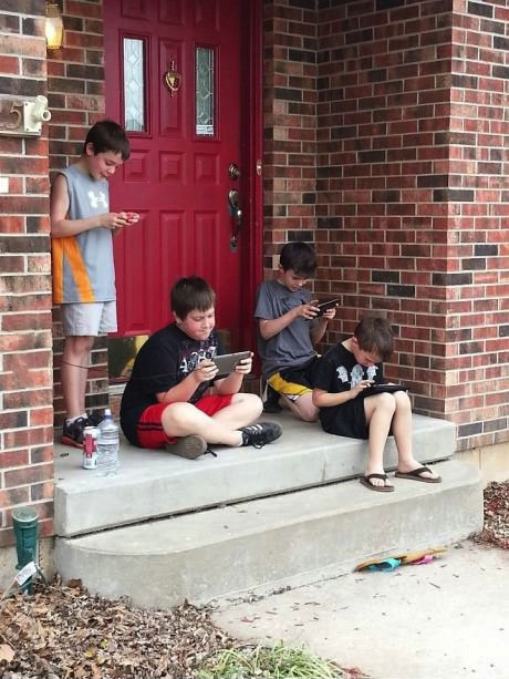 kids, 2013, smart phone, video games, playing outside