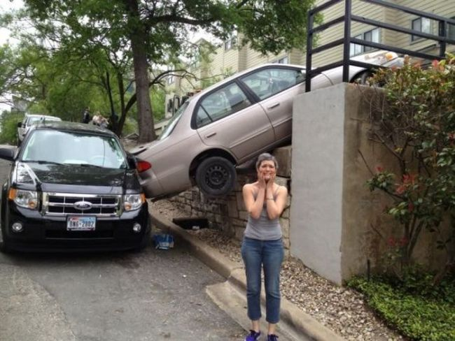 female driver, car, park, fail, accident