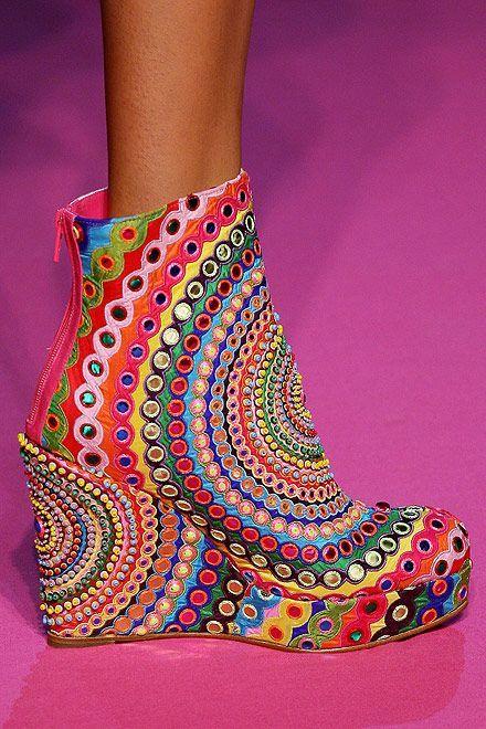 heels, psychedelic, colors