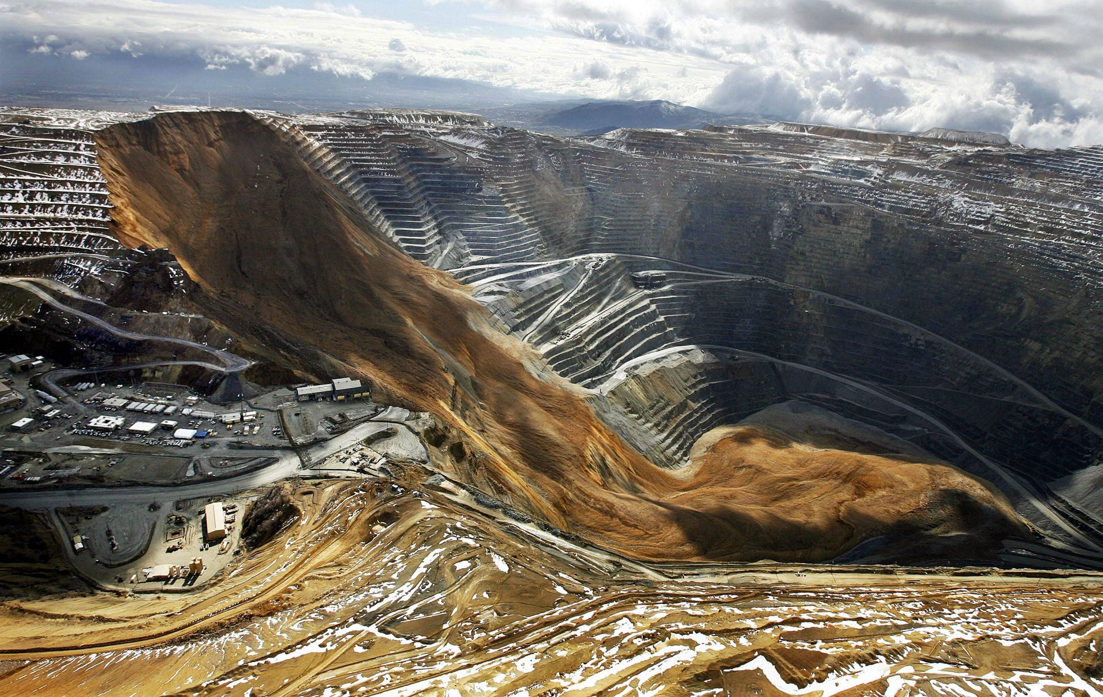 land slide, high resolution, kennecott utah copper's bingham canyon mine