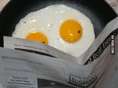 eggs, sunny side up, read, breakfast