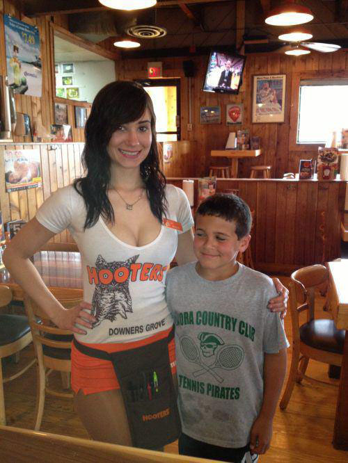 hooters, kid, lol