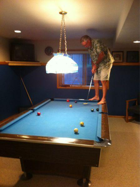 mini putt, golf, putter, pool table