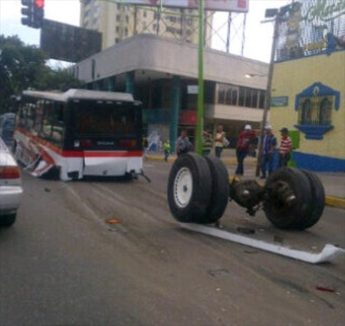 bus, accident, back wheels