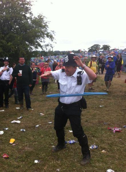 hula hoop, cop