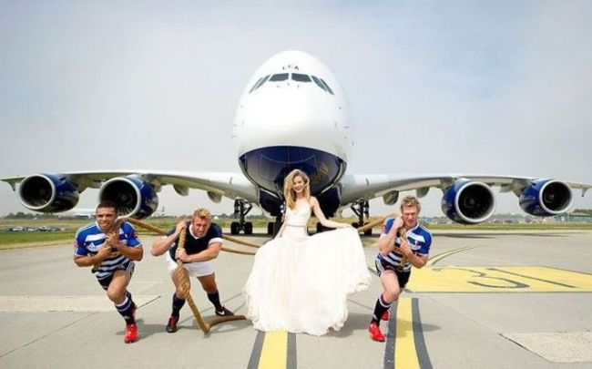 wedding, marriage picture, pulling a plane, wtf, dress