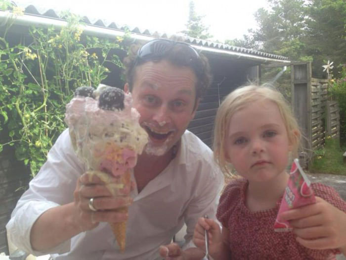 father, daughter, ice cream, lol