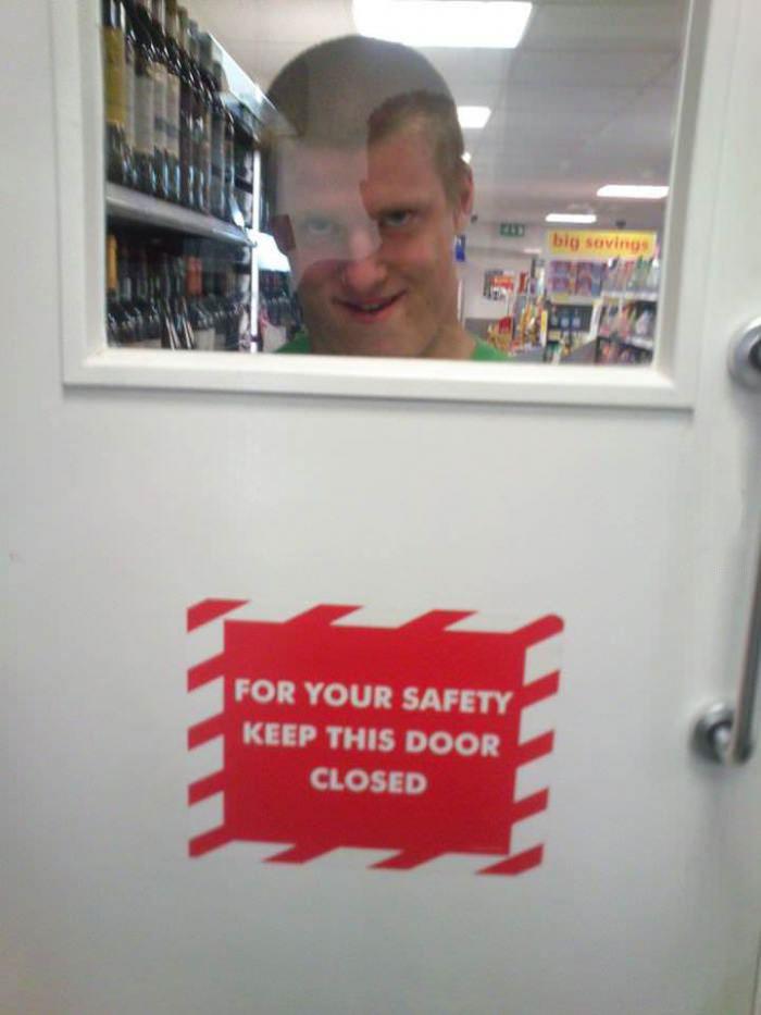 door, notice, creepy look, safety