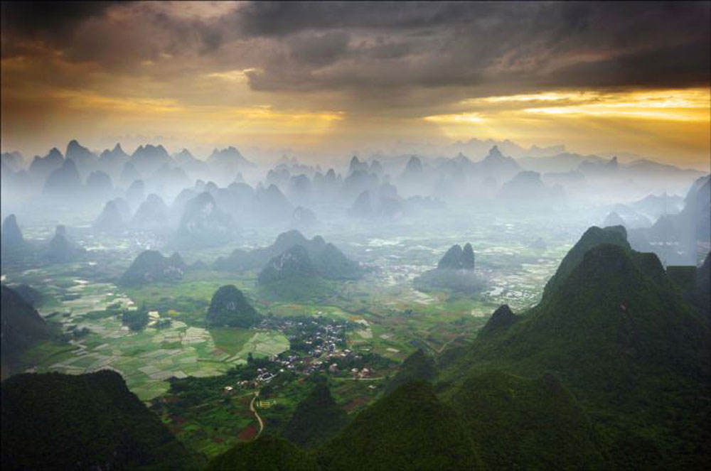 Yangshuo region, China, mountains, scenery, sunlight, sun rays, beautiful