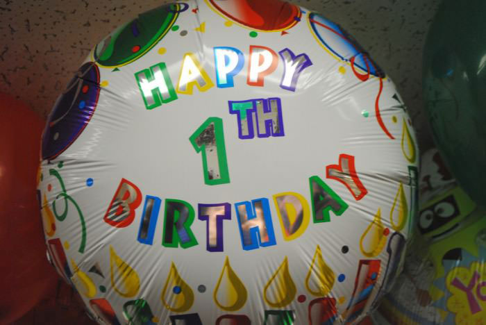 balloon, birthday, 1th, spelling mistake, engrish