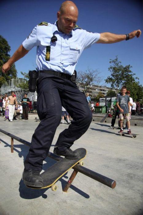 cop, police, skateboard, grind