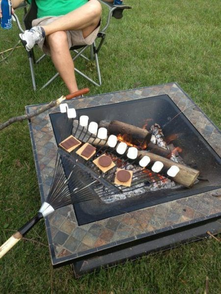 roasting marshmallows, graham crackers, chocolate, life hack, rake