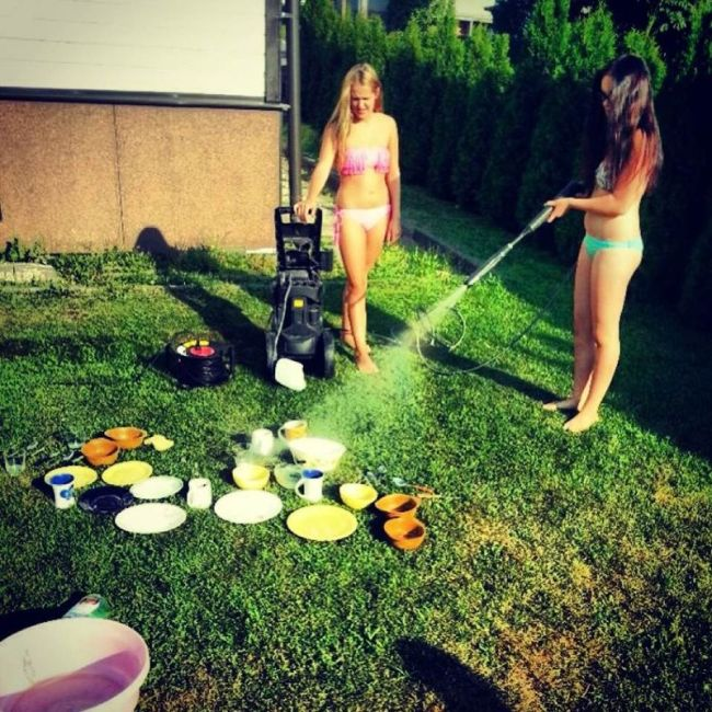 washing the dishes, fail, hose, lol, swim suits