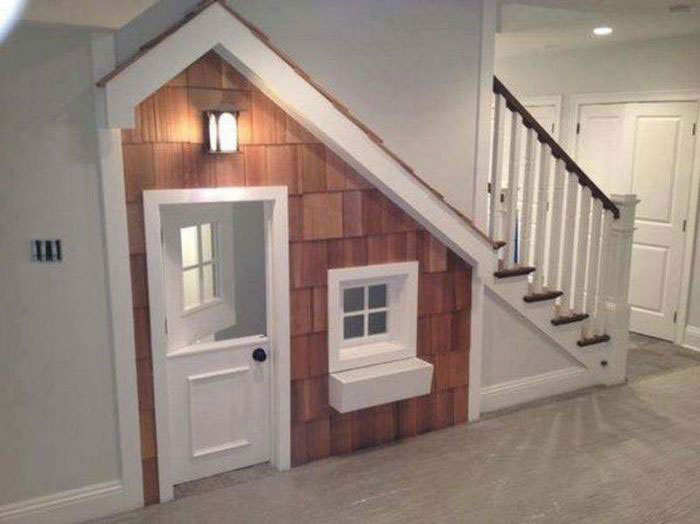 house, under the stairs, cute, weird, harry potter