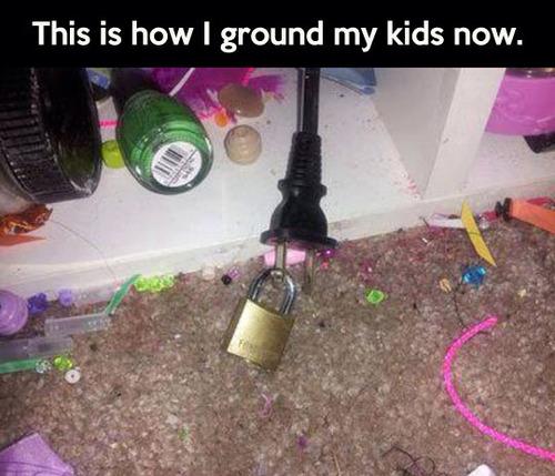 ground kids, troll, lock, power plug