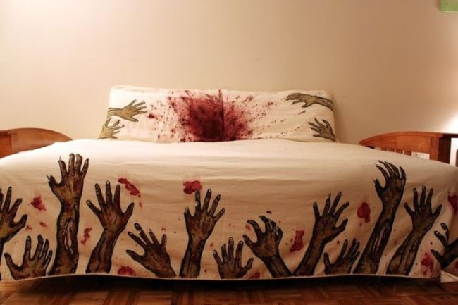 bed set, sheets, pillow cases, zombie theme