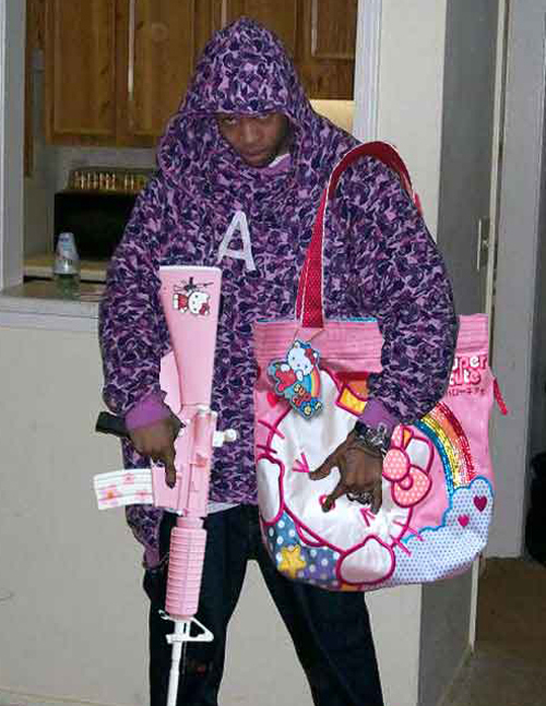 hello kitty, gangster, pink rifle, wtf