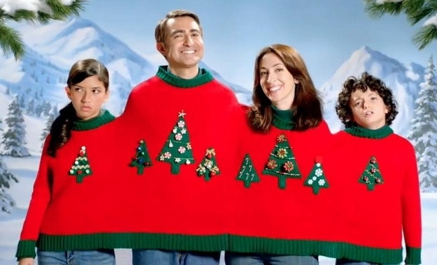 worst christmas sweater ever, family portrait, embarrassment, lol