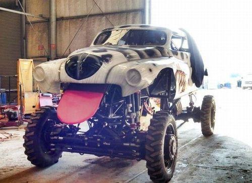 Monster Truck Dog >> Dog Car With Monster Truck Like Wheels Justpost Virtually