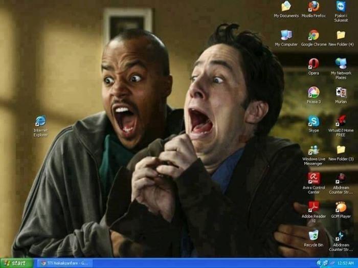 computer desktop background, afraid of internet explorer