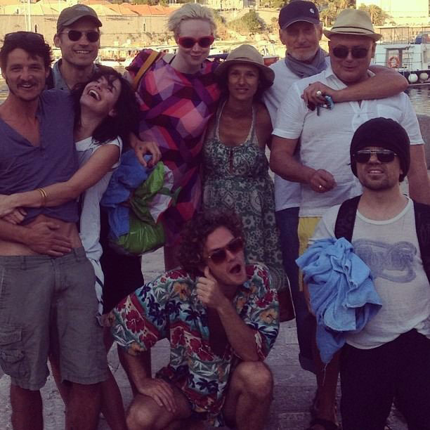 just a photo of a bunch of friends and family, hey wait a minute!, game of thrones cast