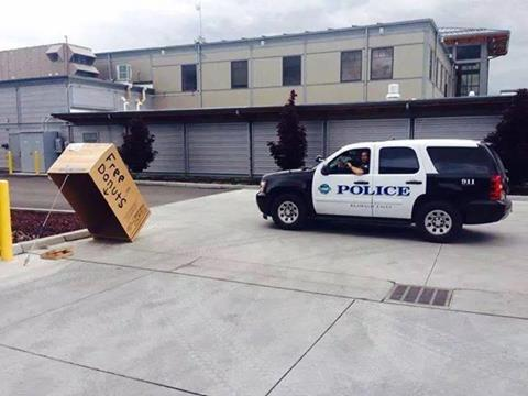 free donuts, cop car, trap, lol