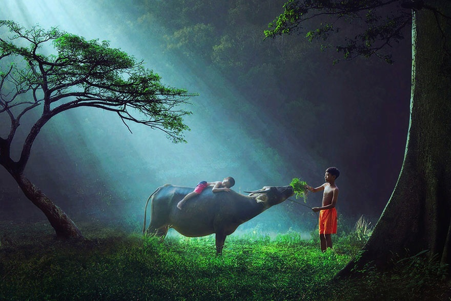 30 magical photos of children playing from around the world
