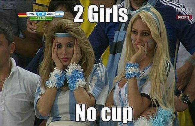 when argentina lost the world cup, 2 girls no cup