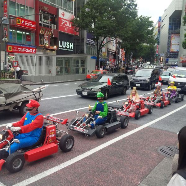 cosplay go kart procession win, mario kart characters, peach, luigi, toad
