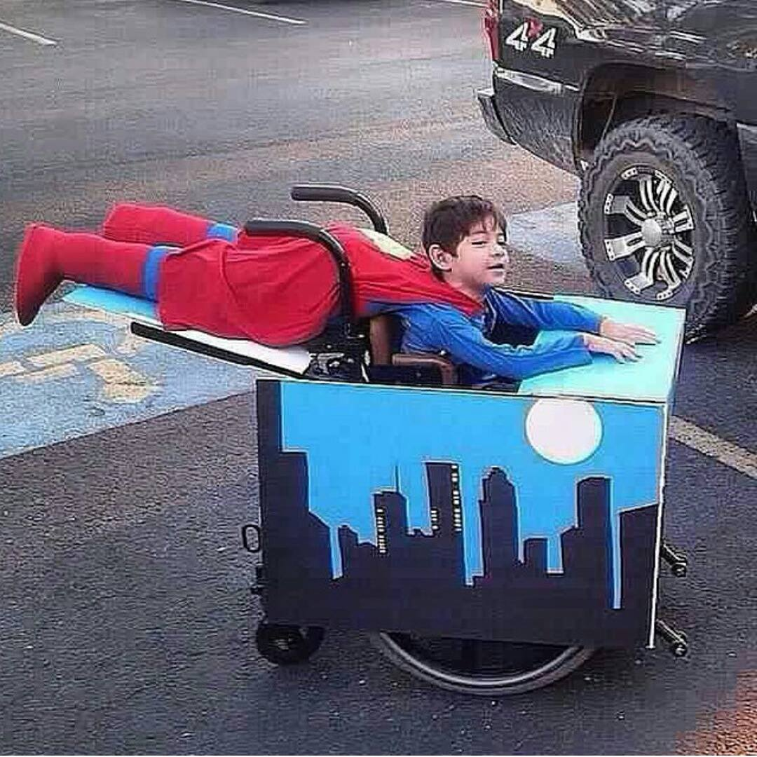 superman costume for a boy in a wheelchair, halloween