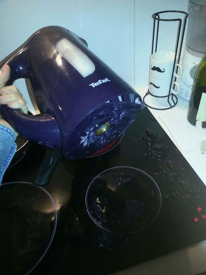 more proof that my room mate is an idiot, hot water kettle on the stove