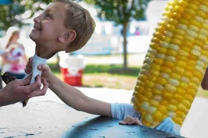 kid receiving corn face swap, wtf, photoshop