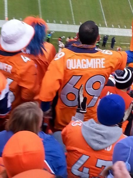 got a custom jersey for the big game, quagmire 69, football