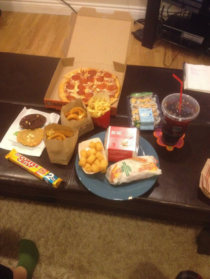 i told my girlfriend that i was having a bad day and then came home to this, feast, win
