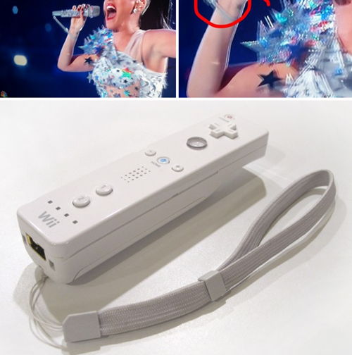 so katy perry was using a wiimote strap on her microphone