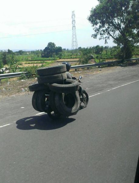 transporting tires on your motorcycle, wtf