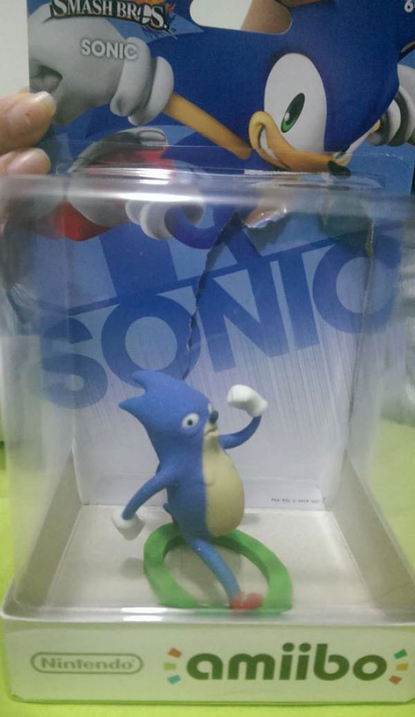sonic are you okay?, sonic amiibo fail, wtf