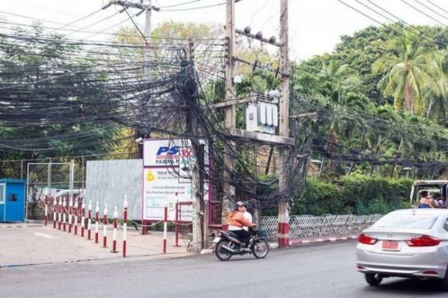 when the electricity lines get out of hand, wtf, fail