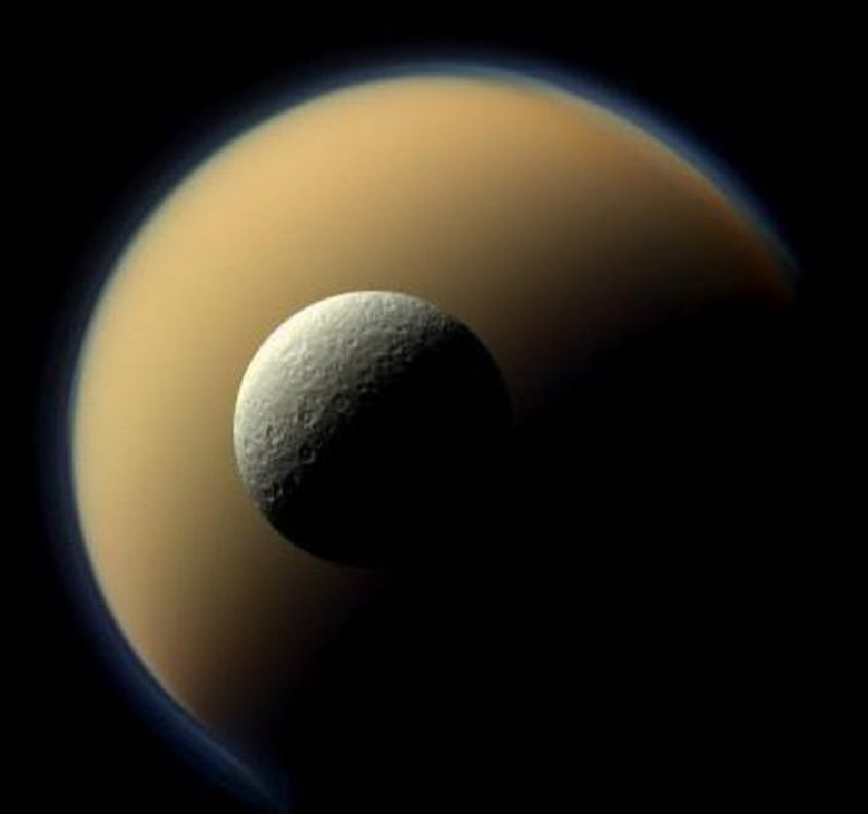 these photos from nasa's cassini probe don't even look real, space photography