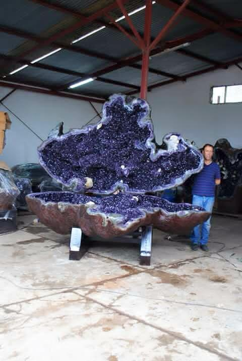 giant amethyst geodes