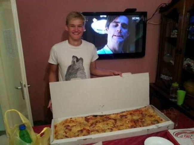 jim carey wants a piece of that pizza