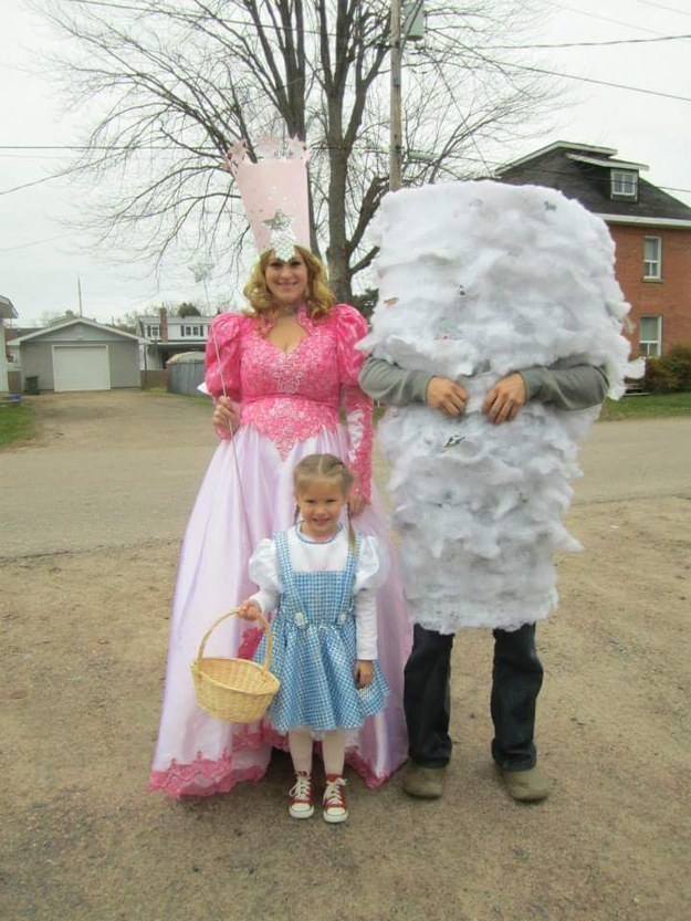 glinda dorothy and the tornado from the wizard of oz, family costume ideas, halloween