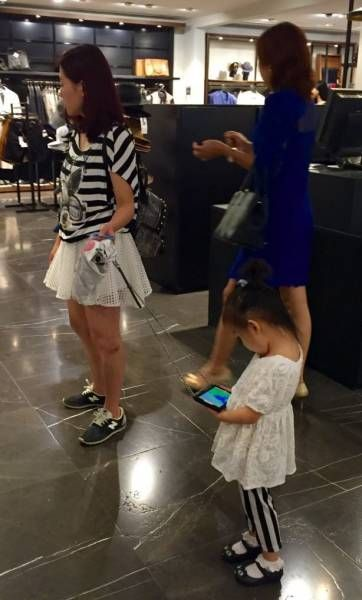 the only leash you need for your kid, ipad leash